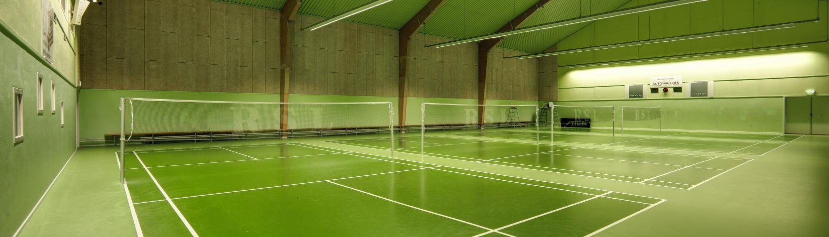 Foto: Birkerød Badmintonhal - indendørs