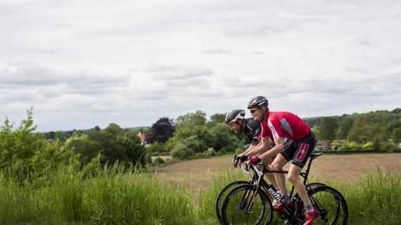 Ræs på cyklenerne op af Åsbakken