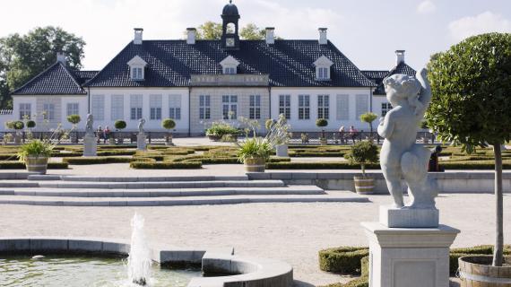 Gl. Holtegaard: Thurahs Barokhave - Foto af Hans Ole Madsen