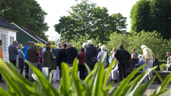 Særarrangement på Gl. Holtegaard juni 2016 - gruppe udenfor