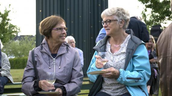 To kvindelige deltagere ved særarrangementet
