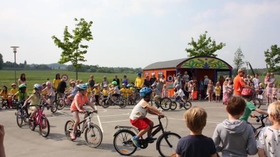 Børn på Cykellegepladsen