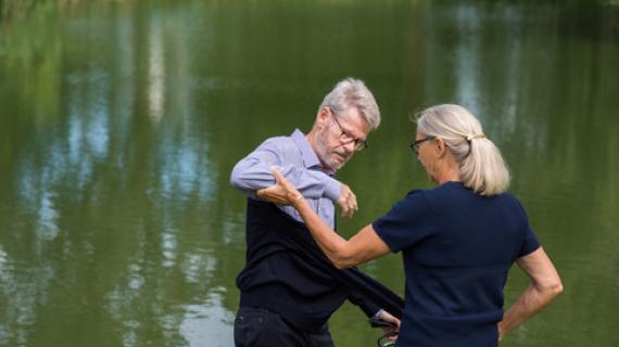 Hjælp til syg ægtefælle