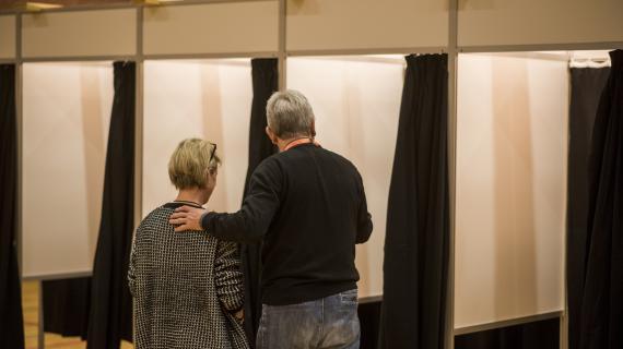 På vej ind i stemmerummet