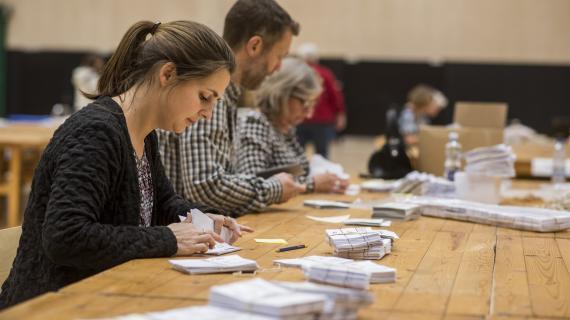 Stemmerne tælles op