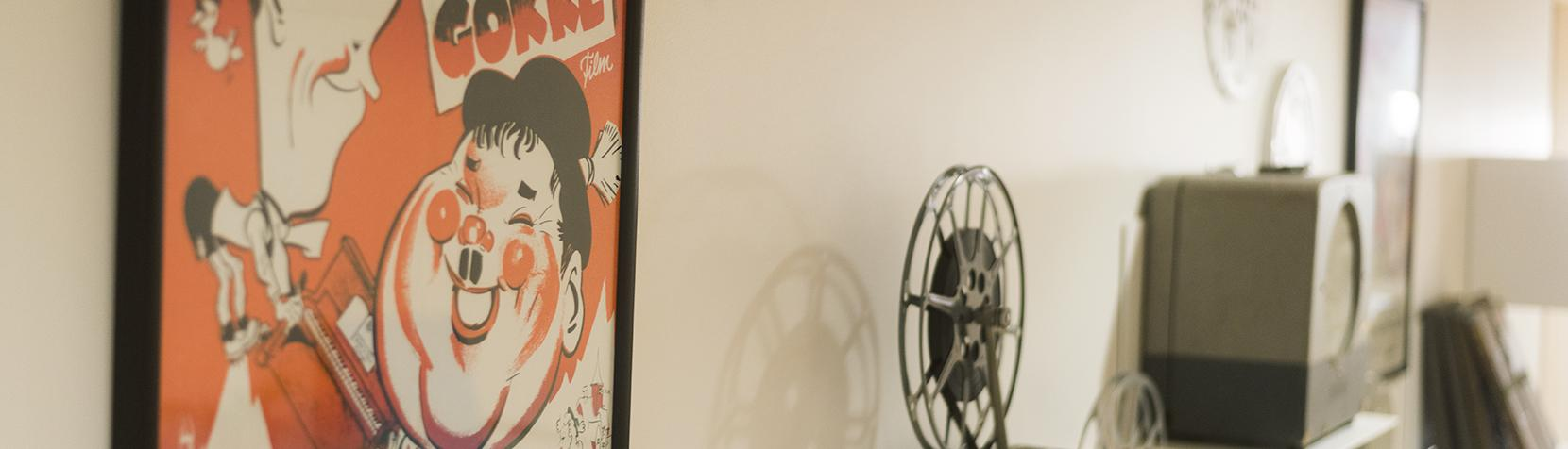 Filmplakat og gammeldags filmrulle