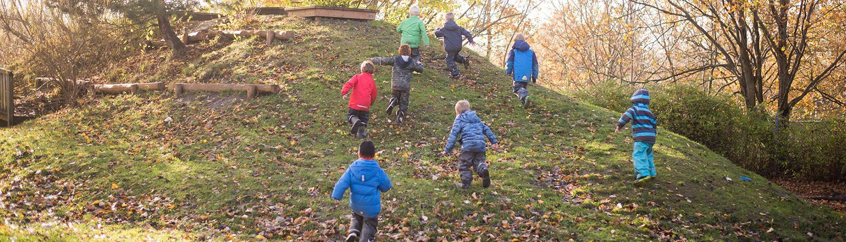 Børn fra Børnehuset Sjælsø der løber