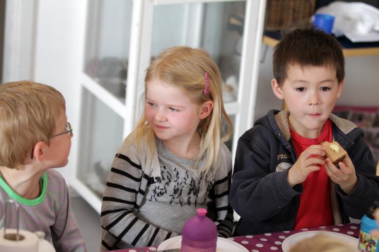 Frokostordning i Børneområdet.