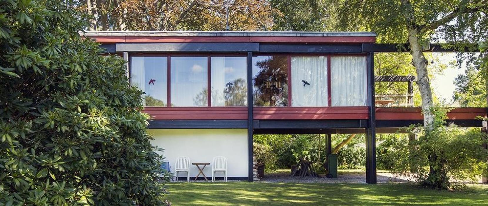 Foto af hus tegnet af Utzon i Holte